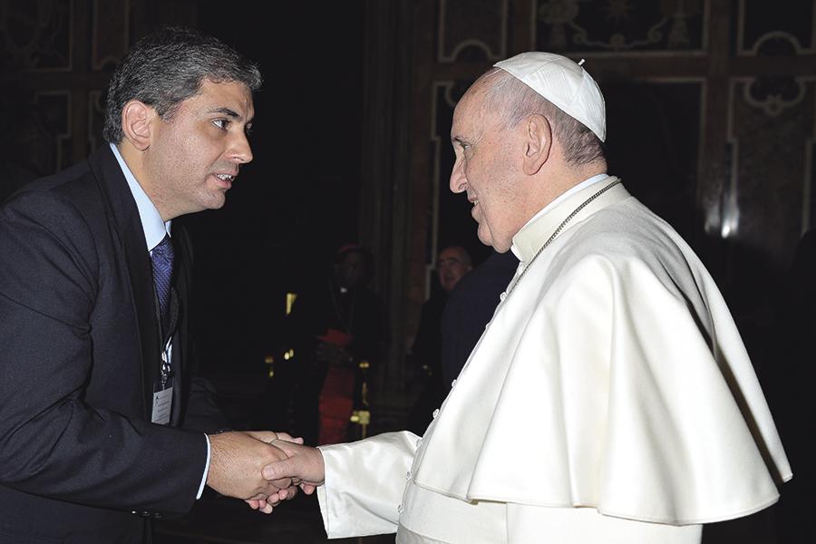 Alexandre con el Papa Francisco