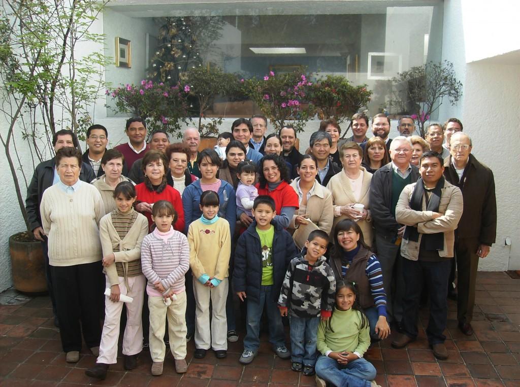 Familia 13-MVC-MeÌ-xico-con-Eduardo-enero-2009-1024x763
