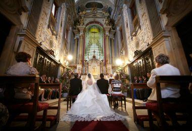 Segunda parte en qu iglesia nos vamos a casar mvc for Sillas para novios en la iglesia
