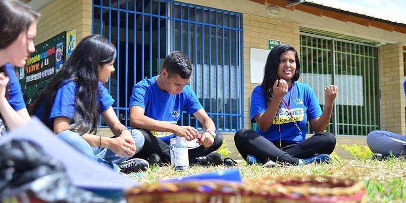 Misiones-psicologicas-del-Centro-Arete-2016-Familia-Sodalite-Noticias-3g