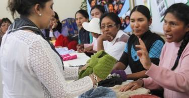 clausura-de-taller-de-tejido-para-madres-del-colegio-san-juan-apostol-de-arequipa-familia-sodalite-noticias