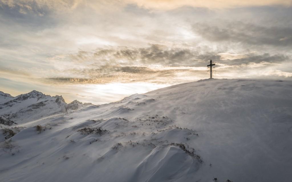 cruz-en-la-nieva