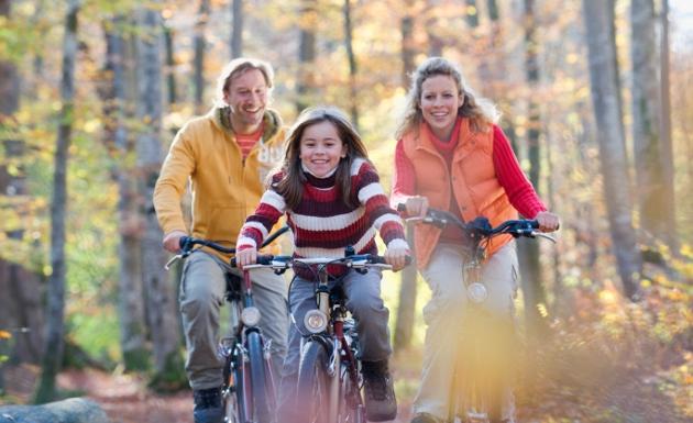 familia-en-bicicleta