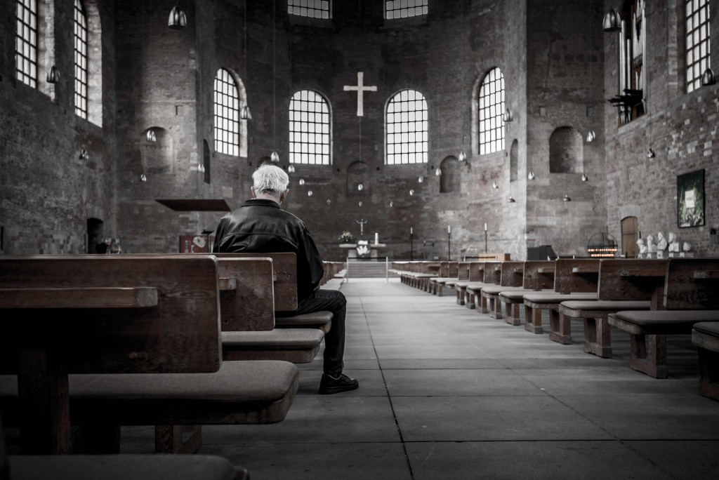 hombre-rezando-2