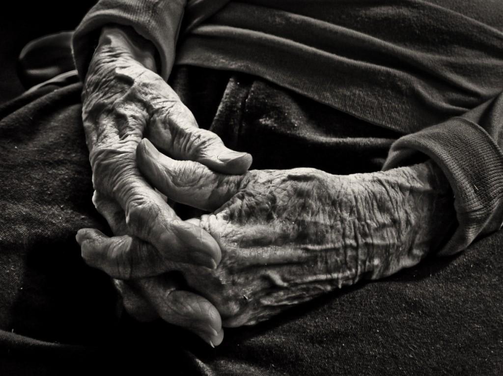 manos-viejas